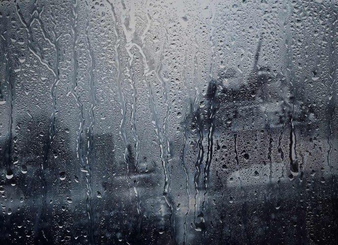 Дождь на стекле дождь