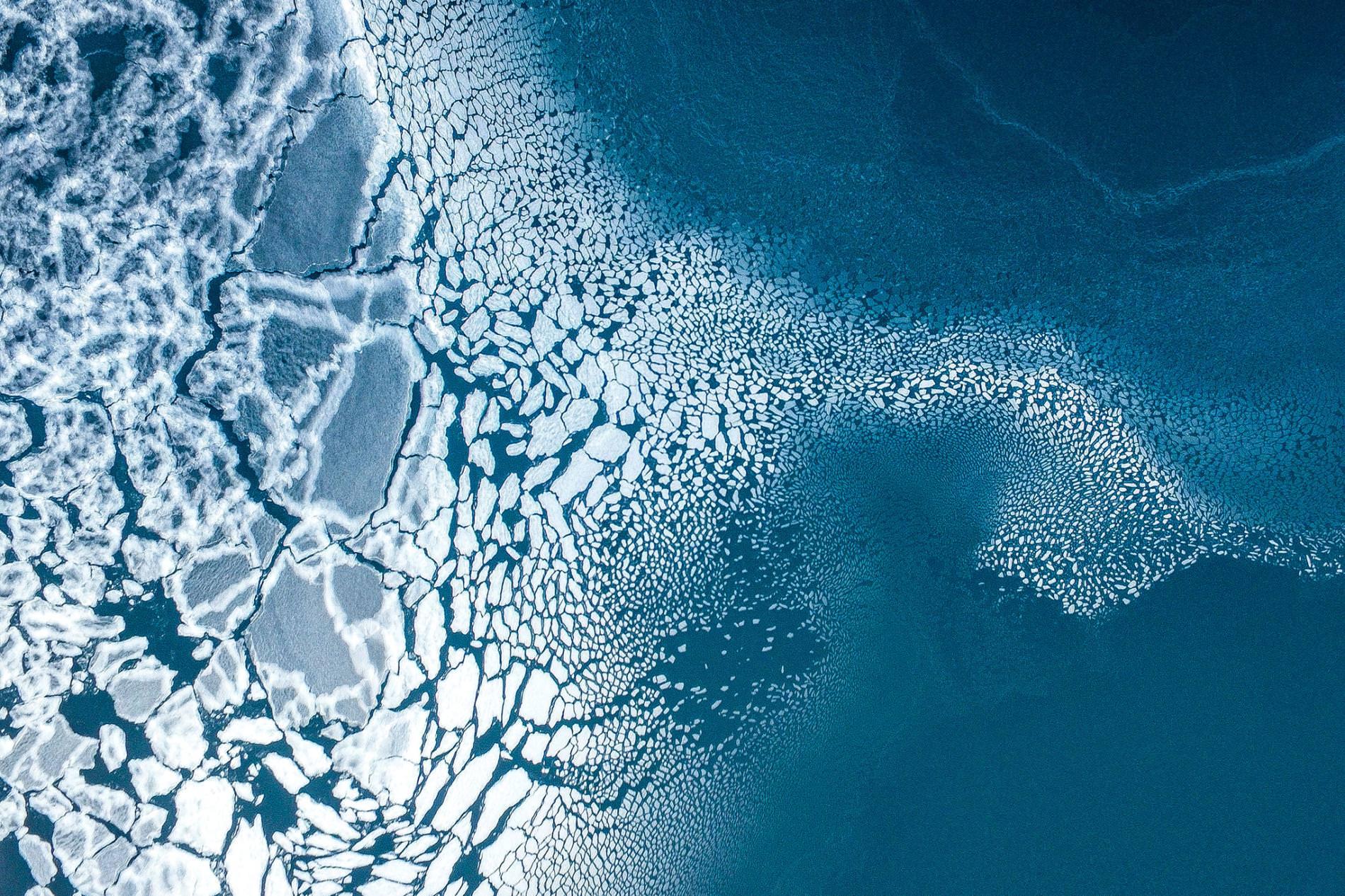 Ледоход море лед