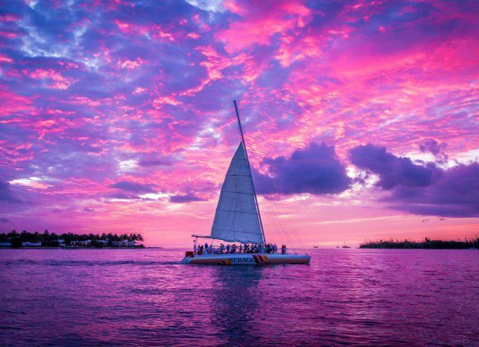 Розовый закат яхта море закат