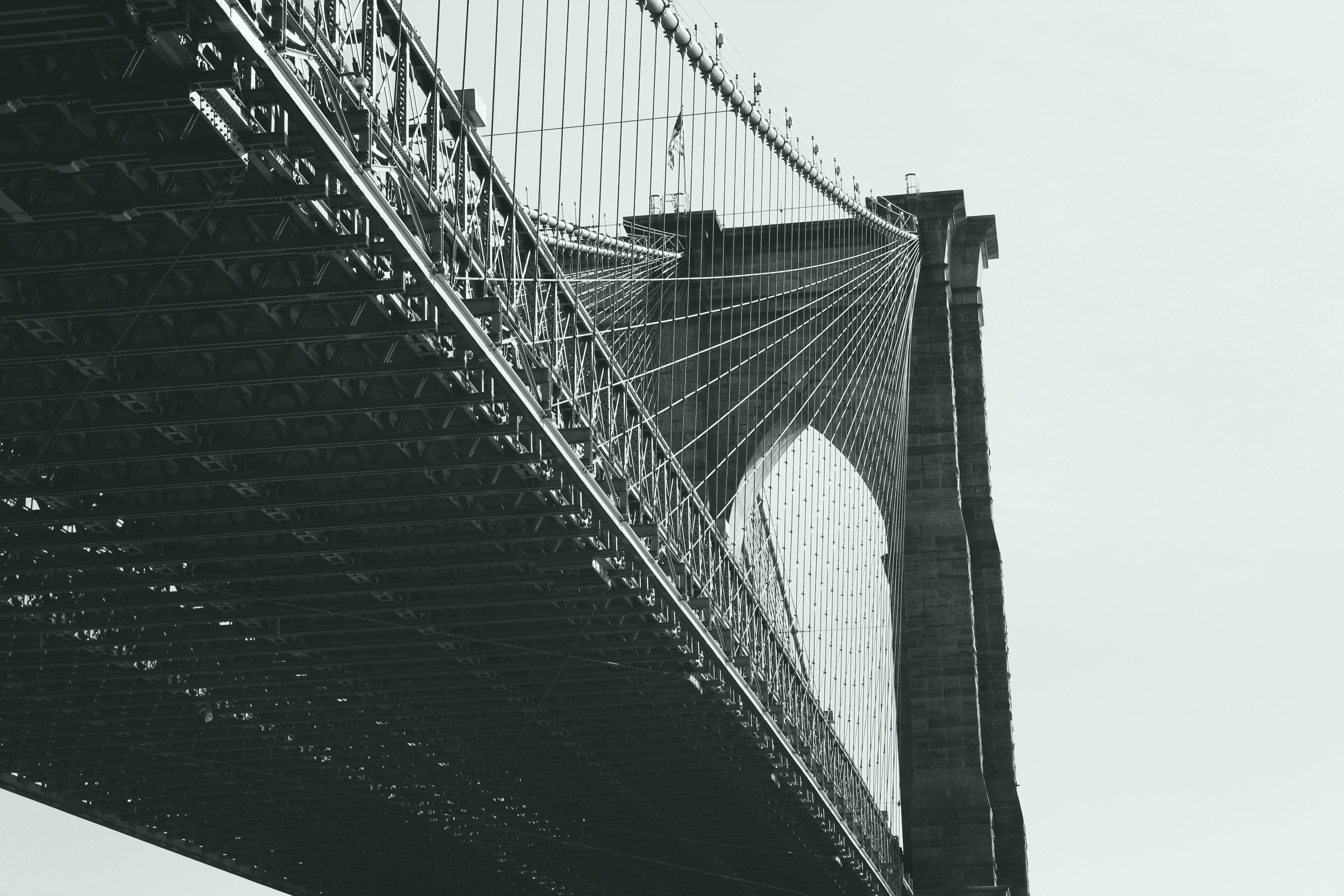 Бруклинский мост черно-белое США мост