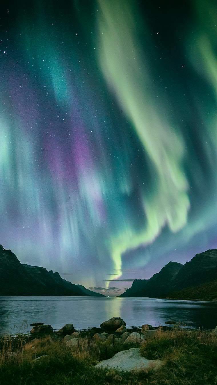 Северное сияние северное сияние озеро ночь звезды горы