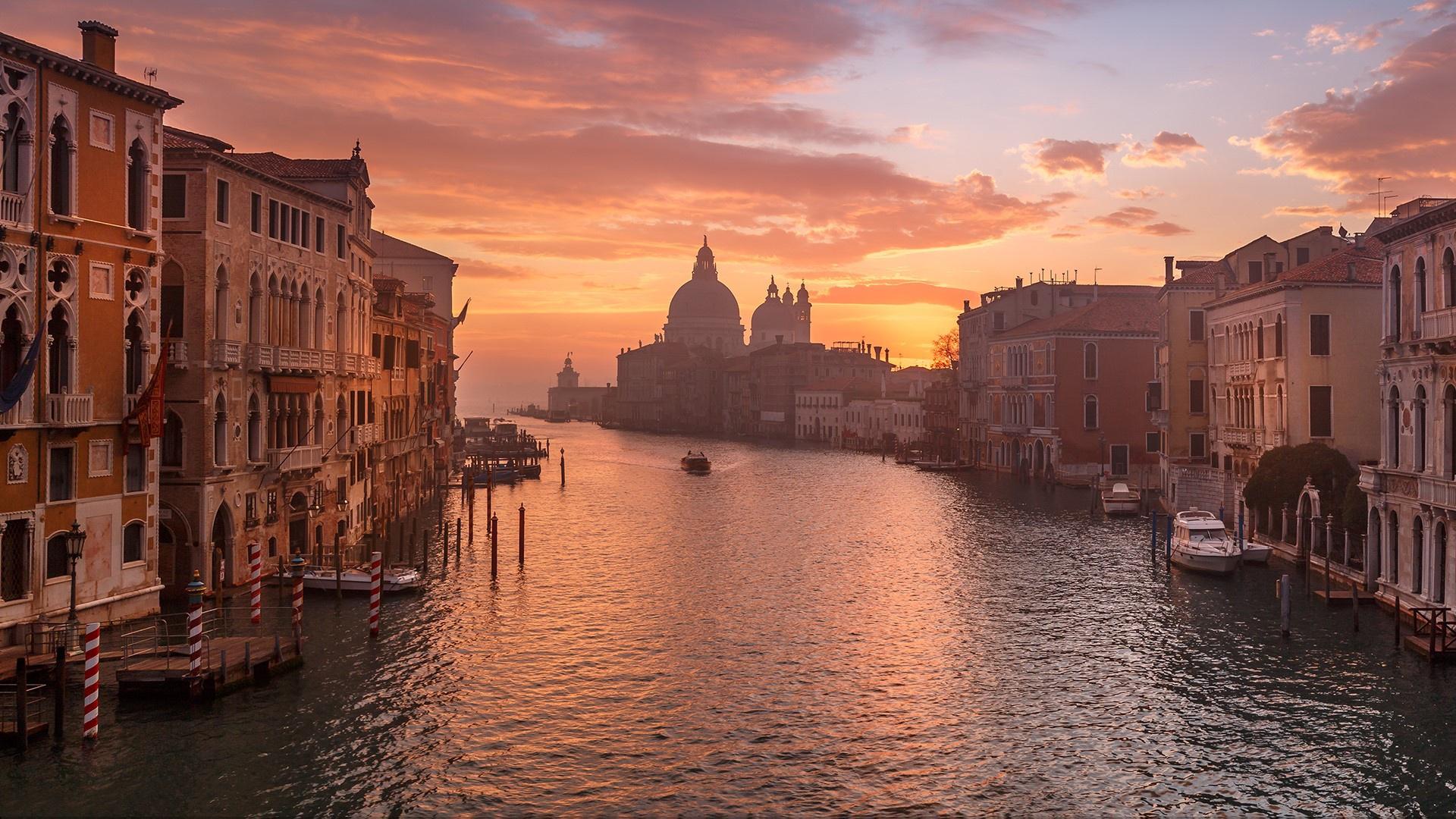 Утро в Венеции яхта рассвет море лодки Италия восход вода Венеция